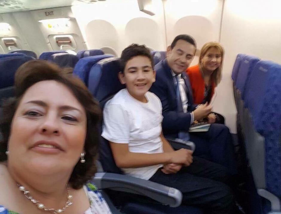 Morales arribó a República Dominicana este lunes después de pasar por Chicago junto a su familia. (Foto: Twitter)