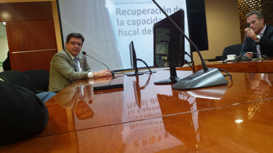 El Ministro hizo un esfuerzo de apertura para recibir los comentarios de la sociedad civil. (Foto: Minfin)