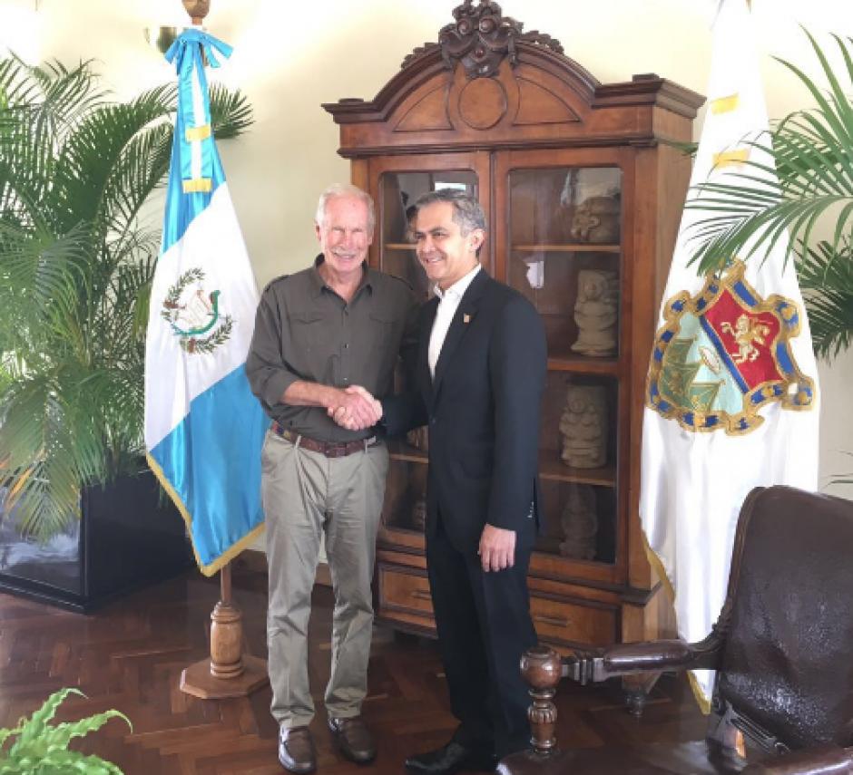Arzú le preguntó por su experiencia con Uber en México. (Foto: Twitter)