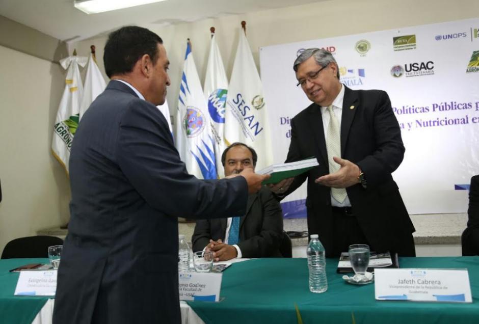 Cabrera fue cuestionado en una actividad en la USAC. (Foto: AGN)