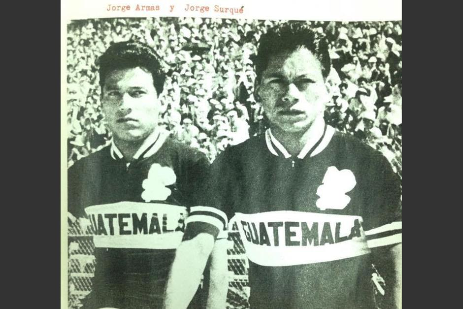 Jorge Armas y Jorge Surqué, pioneros guatemaltecos en el ciclismo. (Foto: Hemeroteca Nacional)