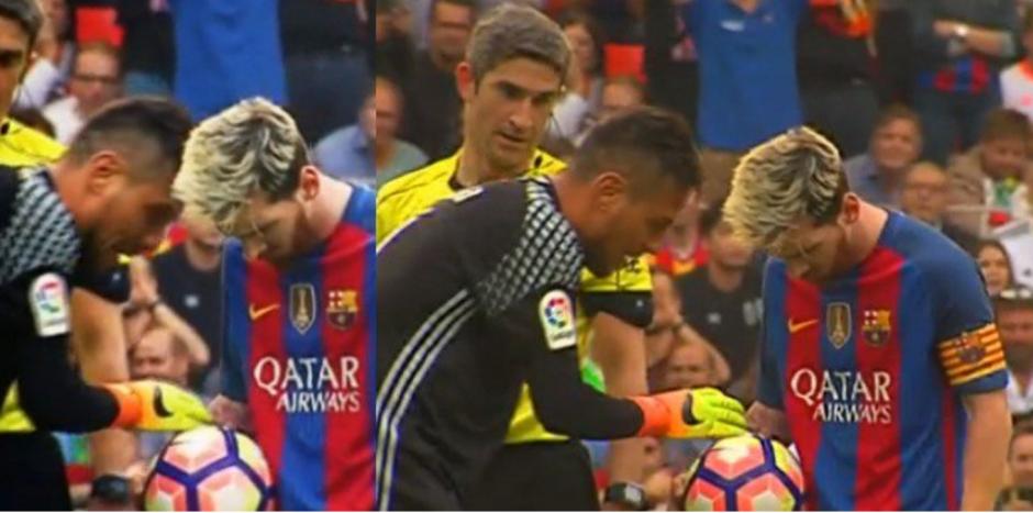 """Messi no respondió ante la """"distracción"""", sólo asintió con la cabeza. (Foto: Captura de pantalla)"""