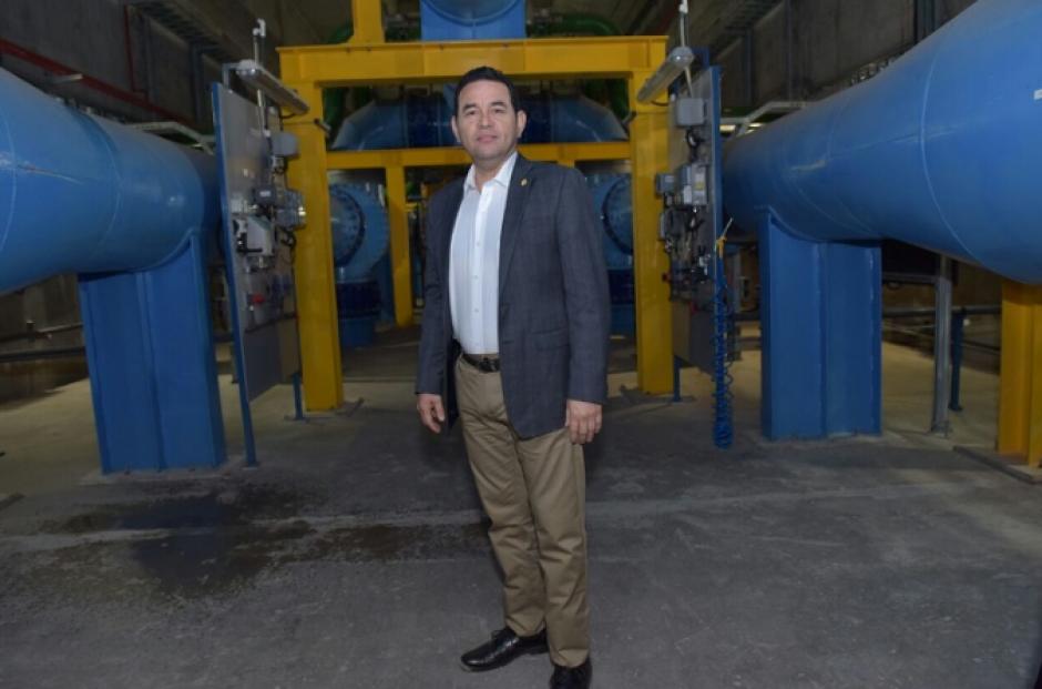 El mandatario se reunió con el director general de la zona industrial de Dalton, Salomon Vilensky, en el lago de Galilea. (Foto: Gobierno)
