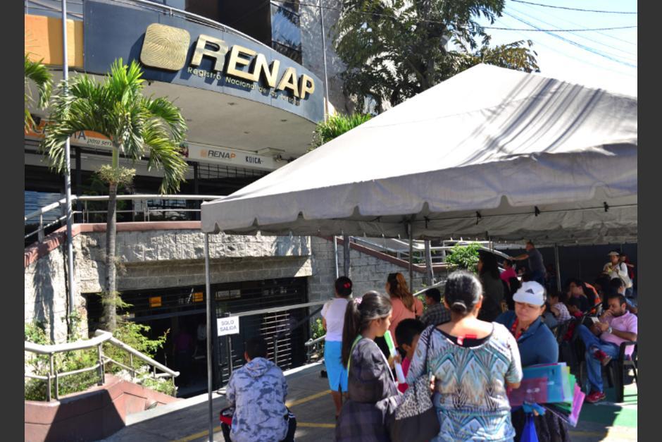 Renap recibió ofertas para adquirir equipo de impresión de DPI.  (Foto: Jesús Alfonso/Soy502)