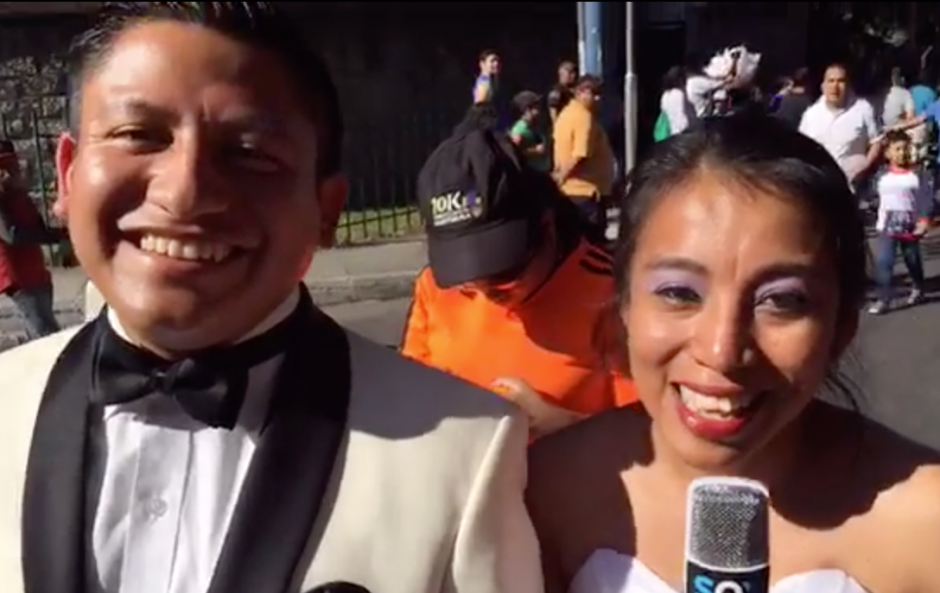 El matrimonio contó su historia en los micrófonos de Soy502. (Foto: Soy502)