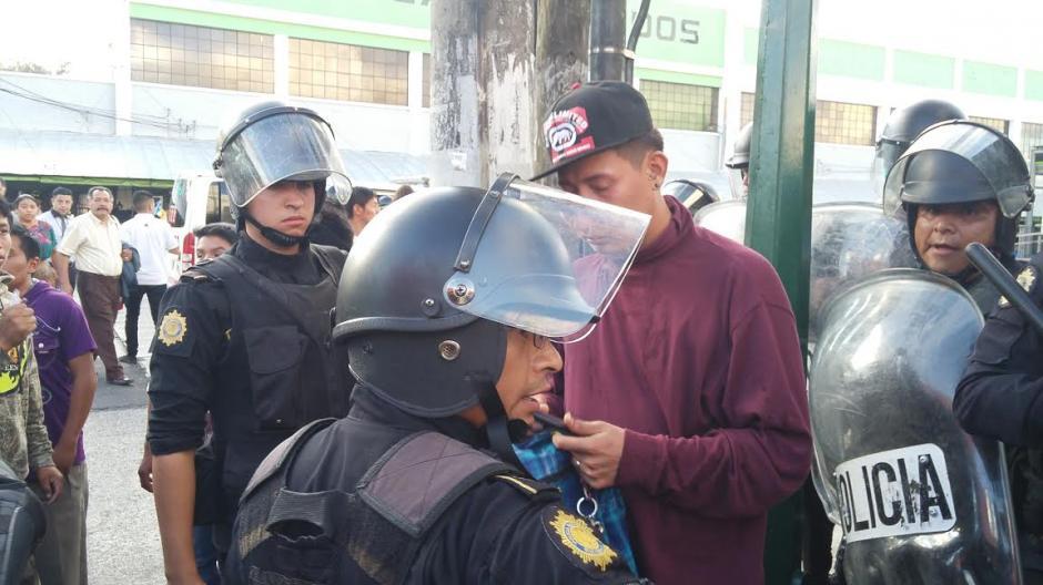 Tres hombres fueron capturados durante las manifestaciones. (Foto: José Miguel Castañeda/Soy502)