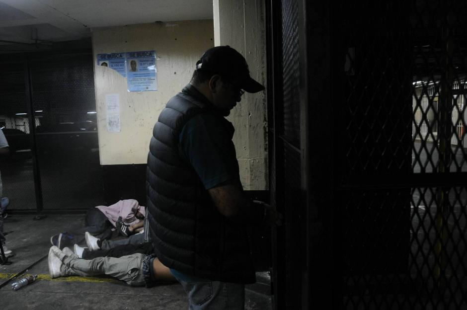 Óscar Humberto Jiménez Contreras fue detenido durante un allanamiento. (Foto: Alejandro Balán/Soy502)