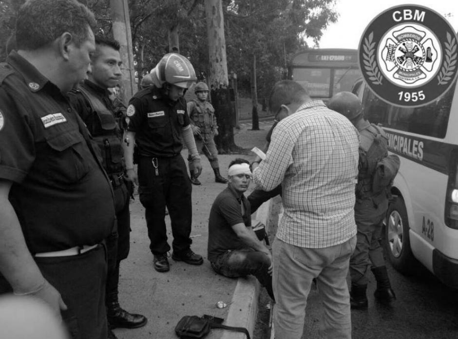 El Ejército de Guatemala y la PNC llegaron al lugar. (Foto: Bomberos Municipales)