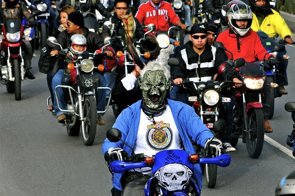 Los principales participantes de la caravana son quienes trabajan con moto: repartidores, mensajeros, cobradores y pequeños empresarios que usan este vehículo para desplazarse. (Foto: Deccio Serrano).
