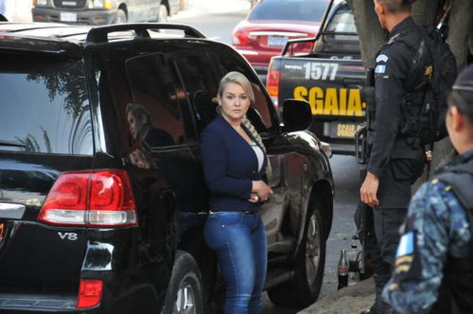 Cynthia Cardona fue capturada cuando transportaba una fuerte cantidad de dólares. (Foto: Archivo Soy502)