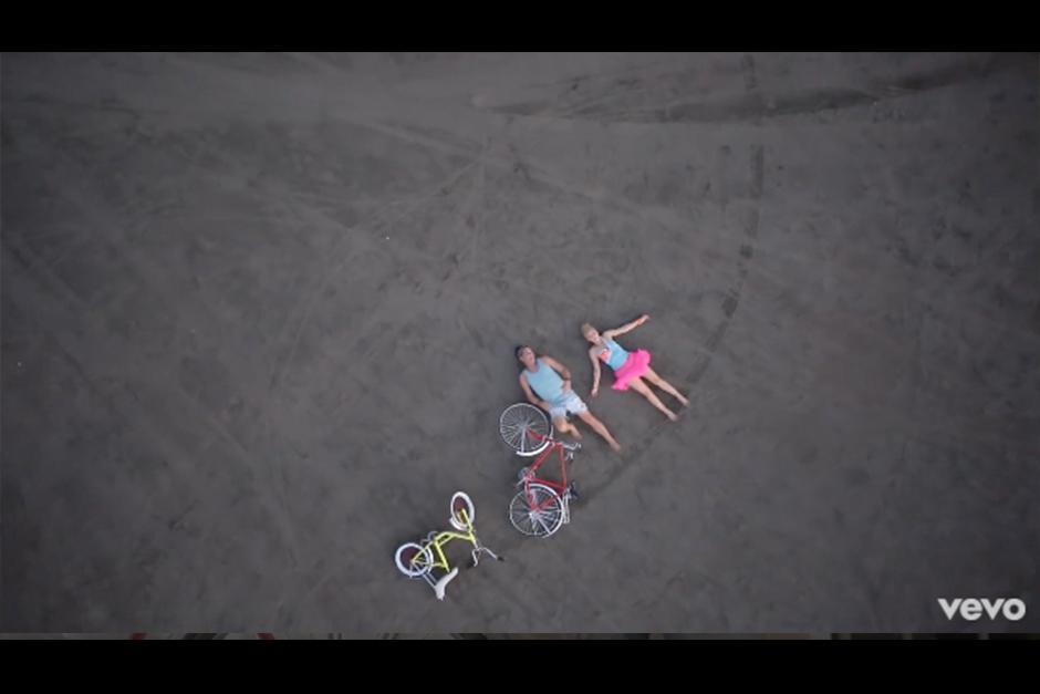 Carlos dejó su bicicleta en un parqueo sin candado. (Foto: YouTube)