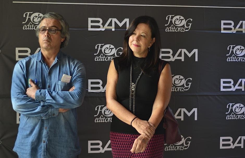 Los escritores José Luis Perdomo y Carol Zardetto fueron parte del jurado. (Foto: Selene Mejía/Soy502)