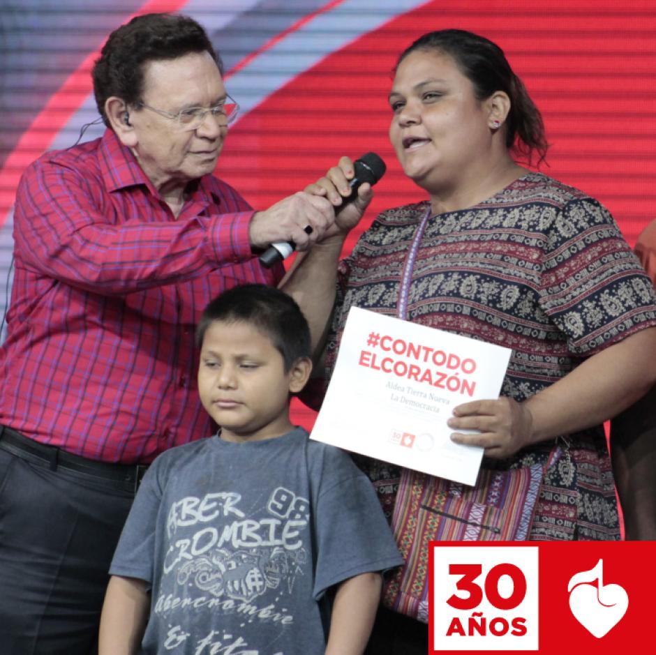 Carlos de Triana ha laborado en la televisión guatemalteca. (Foto: Facebook/Teletón)