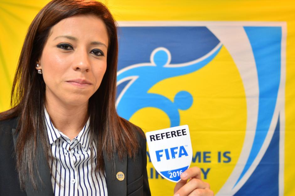 Carol Oliva es maestra de educación física en su natal Gualán, Zacapa; además es árbitro internacional FIFA. (Foto: Jesús Alfonso/Soy502)