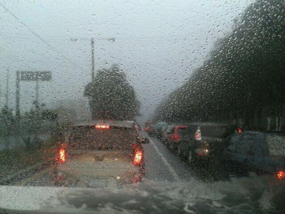 En la carretera al Salvador, así lucía el tráfico.