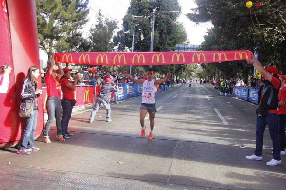 Domingo Icó ganó en la prueba de 5 kilómetros. (Foto: Jorge Sente/Nuestro Diario)