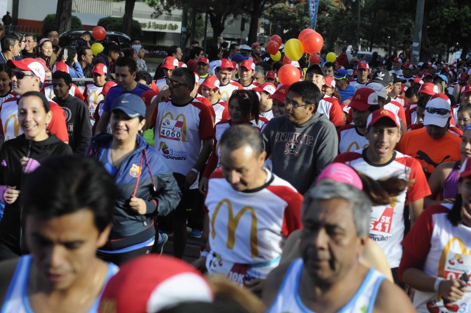 Unos 4 mil corredores se inscribieron en la Carrera benéfica.  (Foto: Pedro Pablo Mijangos/Soy502)