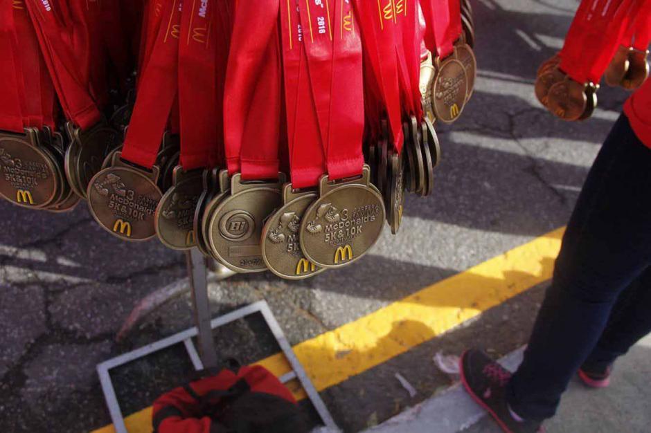 Estas medallas fueron entregadas a todos los competidores inscritos. (Foto: Jorge Sente/Nuestro Diario)