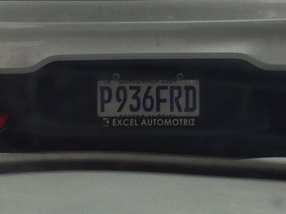 Esta es la placa del vehículo propiedad de Paola Yesenia Melgar. (Foto: Facebook/ Ana Florencia Moguel)