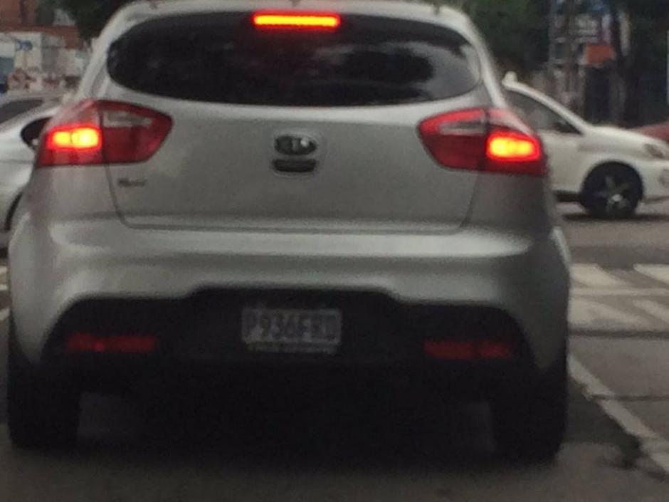 Este es el vehículo desde el que supuestamente golpearon a un menor de edad. (Foto: Facebook/ Ana Florencia Moguel)