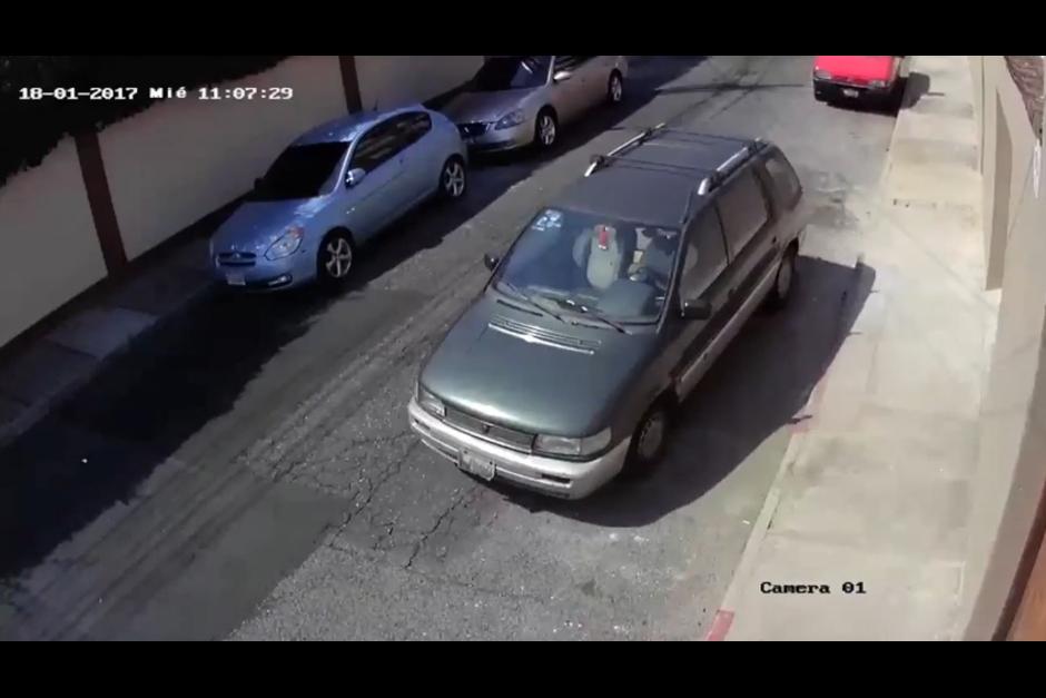 El martes a las 11 horas un sujeto se llevó el carro. (Foto: Facebook/Pablo Ojeda)