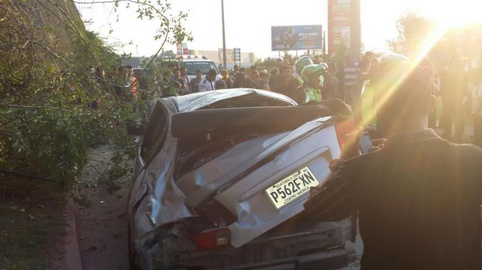 Los dueños del vehículo quedaron heridos, reportó la PMT. (Foto: Amílcar Montejo/PMT)