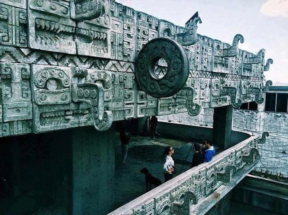 El edificio que destaca en la zona 11 está lleno de historia. (Foto: B'ahlam Kan Nah)