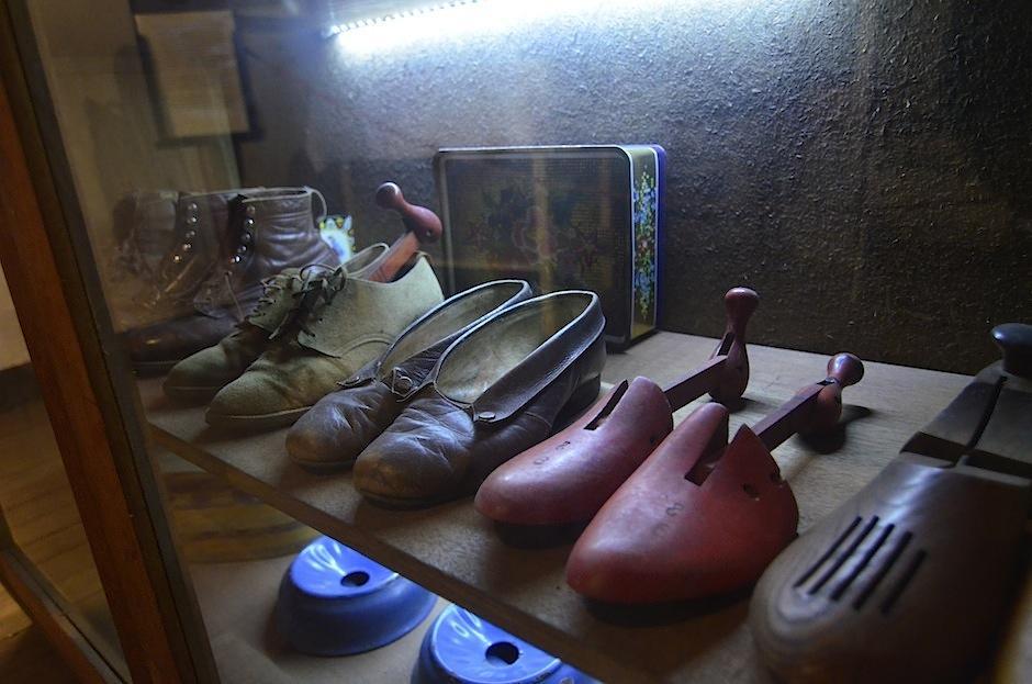 El lugar tiene objetos usados en el diario vivir. (Foto: Selene Mejía/Soy502)