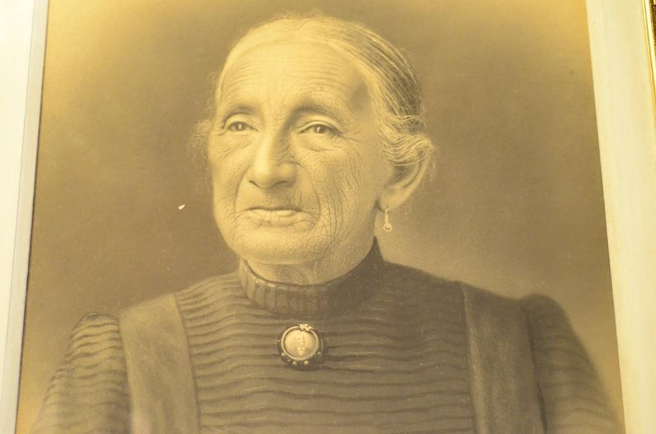 Este es el retrato de su esposa, María Nieves Vega. (Foto: Selene Mejía/Soy502)