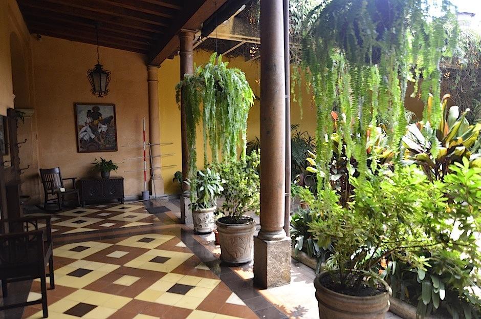 Sus pasillos cuentan historias de varias generaciones. (Foto: Selene Mejía/ Soy502)