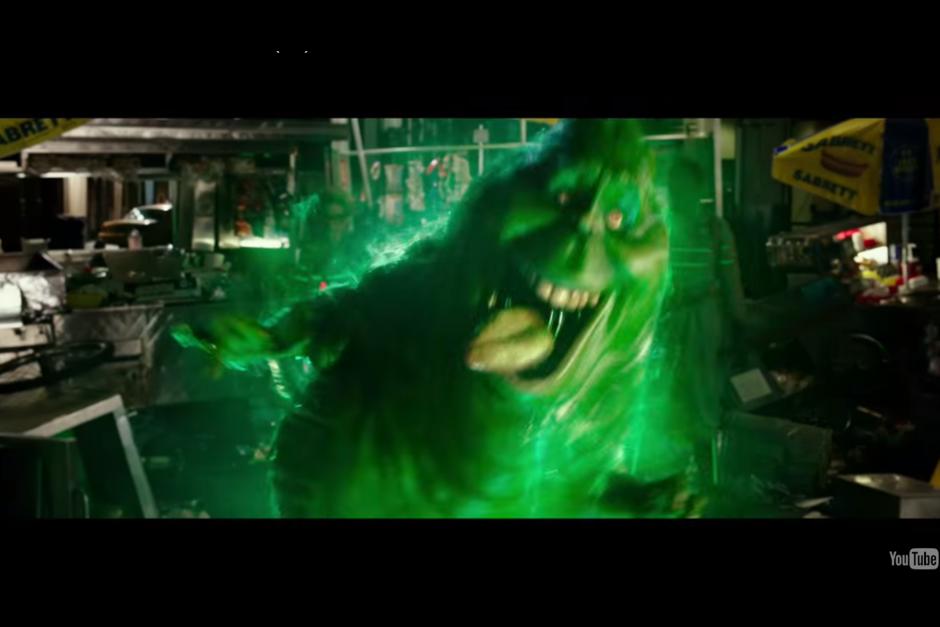 """""""Slimer"""" también aparece en esta nueva película. (Foto: Captura de YouTube)"""