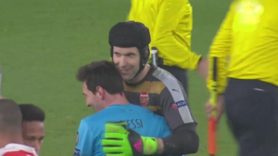 Petr Cech y Leonel Messi foto