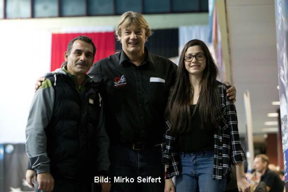 Yusra Mardini, junto a su entrenador en Alemania. (Foto: Bild)