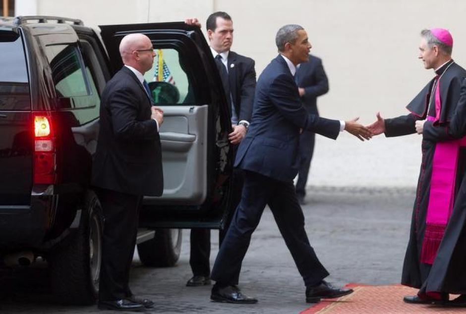 El momento en que Barack Obama llega al Vaticano. (Foto: EFE)