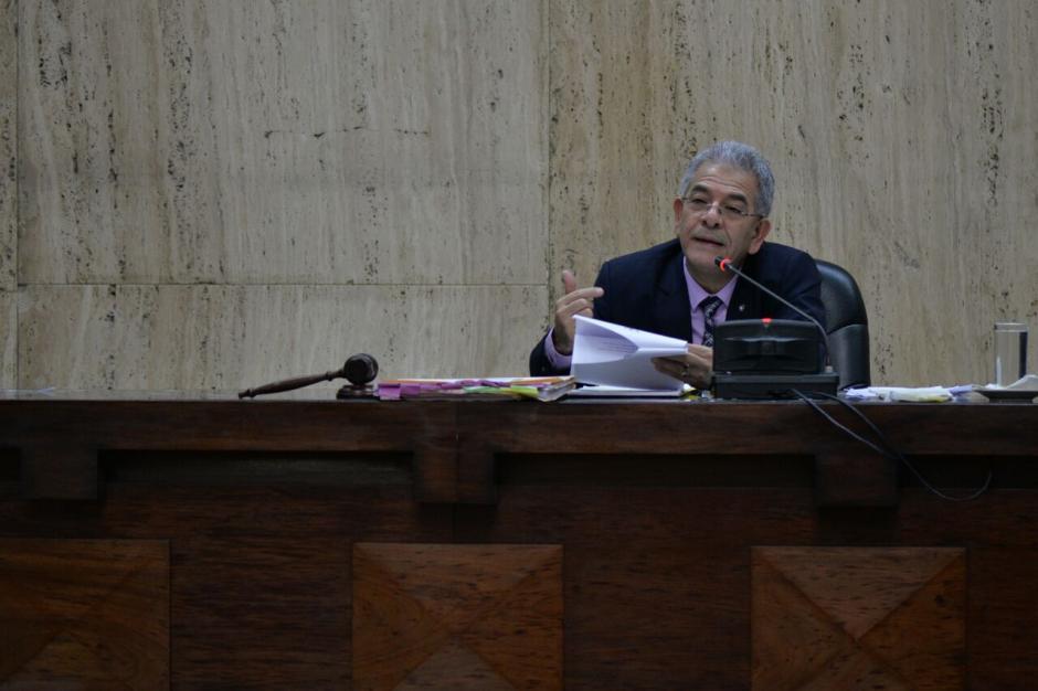 El juez Miguel Ángel Gálvez deberá resolver si los ligados a proceso son enviados a prisión. (Foto: Wilder López/Soy502)
