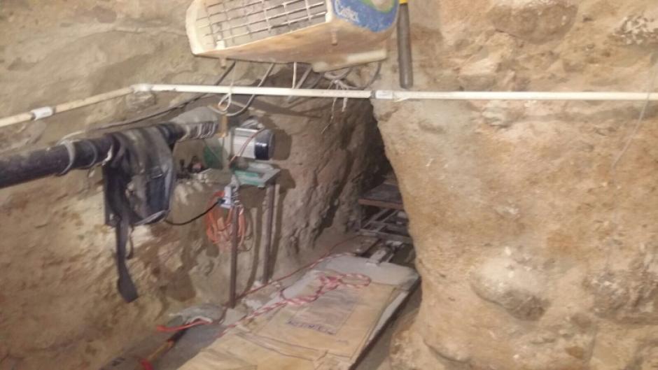 El túnel fue descubierto por autoridades en la frontera México- EE.UU. que conecta la ciudad mexicana de Tijuana en Baja California con San Diego, California en Estados Unidos.