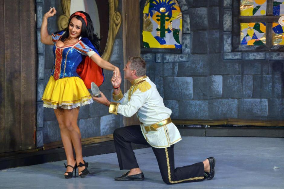 Ivonne Montero enamora vestida como Blanca Nieves. (Foto: Mezcalent/Univisión)