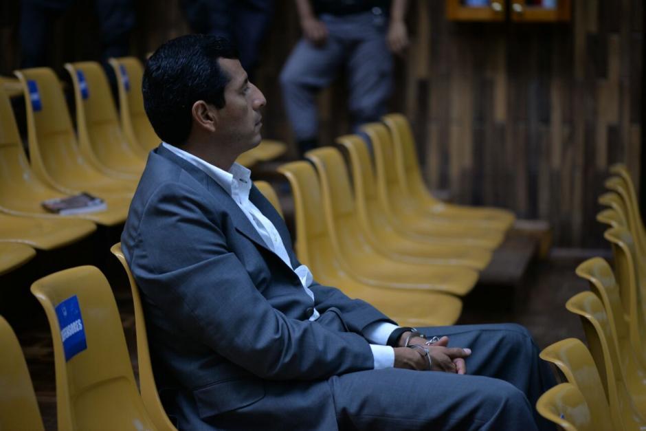 El exministro de la Defensa, Manuel López Ambrocio, deberá seguir en prisión, mientras se resuelve si el juez le otorga una medida sustitutiva. (Foto: Wilder López/Soy502)