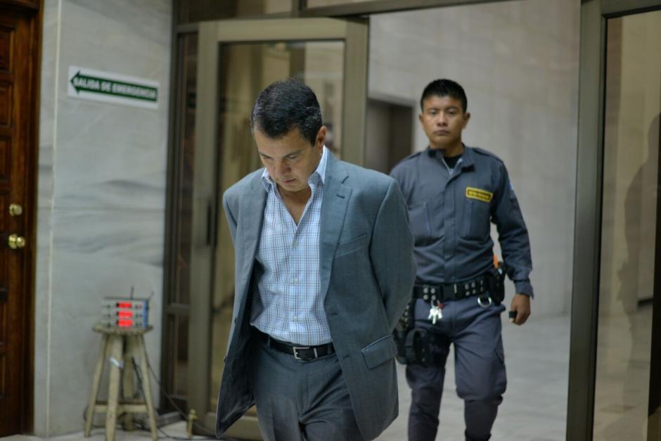 El sindicado Álvaro Mayorga exgerente de la empresa Conasa llega a la Sala de Vistas. (Foto: Wilder López/Soy502)