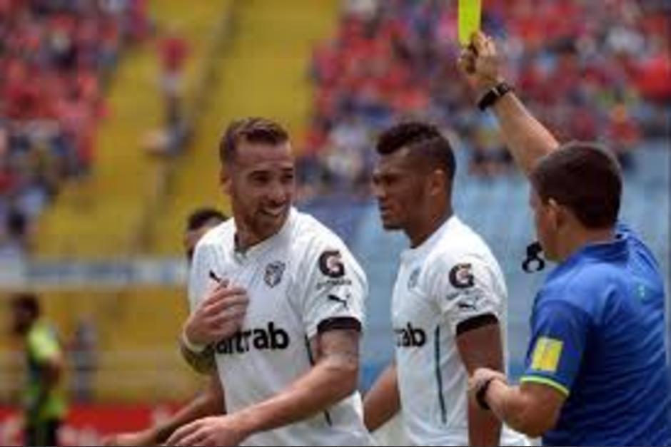 """El """"Colo"""" como lo apodan, suma 22 goles con Comunicaciones, en dos torneos. (Foto: Diego Galiano/Nuestro Diario)"""