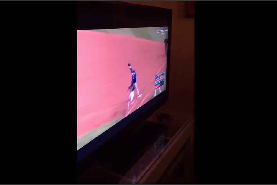 Con esta jugada, los Cubs vencieron a los Indios de Cleveland, lo que provocó la celebración. (Imagen: captura de pantalla)