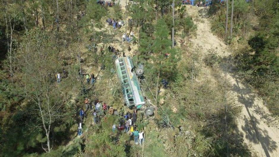 El accidente se registró en el kilómetro 160 de la ruta Interamericana, en jurisdicción de Nahualá, Sololá. (Foto: Luis Santos)