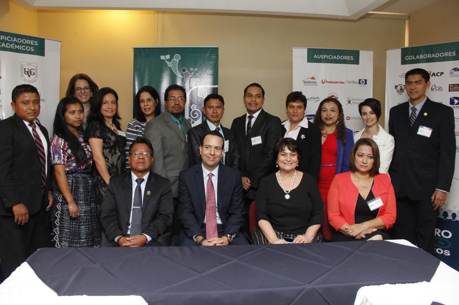 El día previo al certamen, la organización reunió a todos los finalistas y a los medios. (Foto: Jorge Raúl Sente/Soy502)