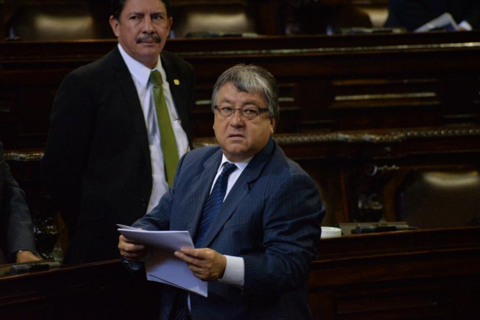 El diputado César Fajardo también llegó a la sesión, tiene un antejuicio por plazas fantasma. (Foto: Wilder López/Soy502)