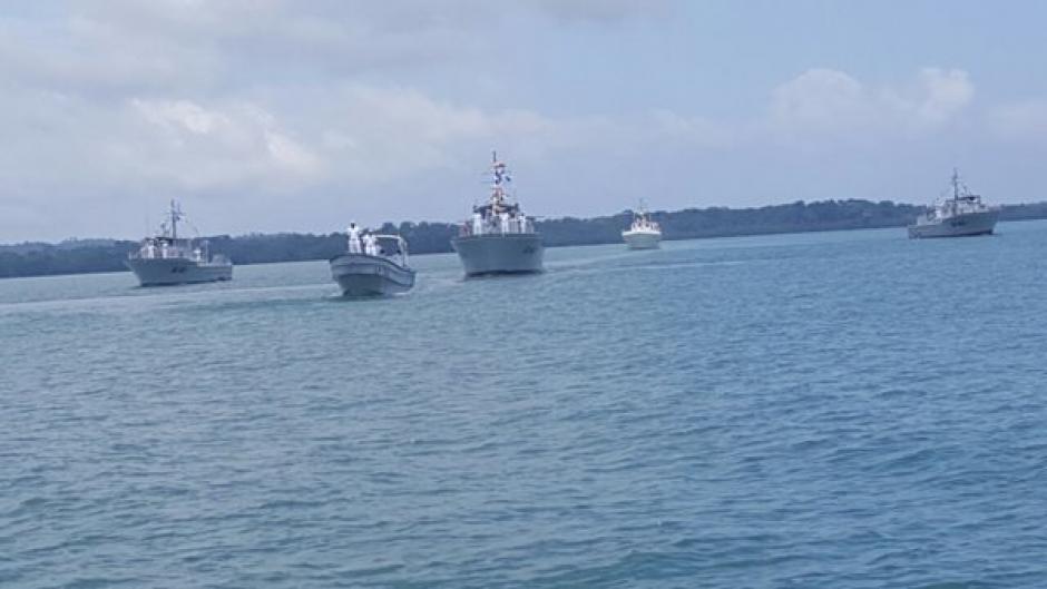 La ballena jorabada fue vista por el Comando Naval del Caribe durante una formación de naves. (Foto: Ejército Guatemala)
