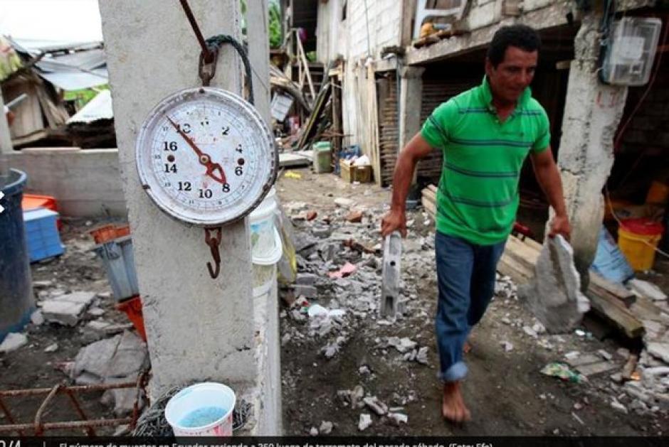 La destrucción en Guayaquil, una de las ciudades más dañadas por el terremoto de 7.8 grados de magnitud en Ecuador. (Foto: AFP)