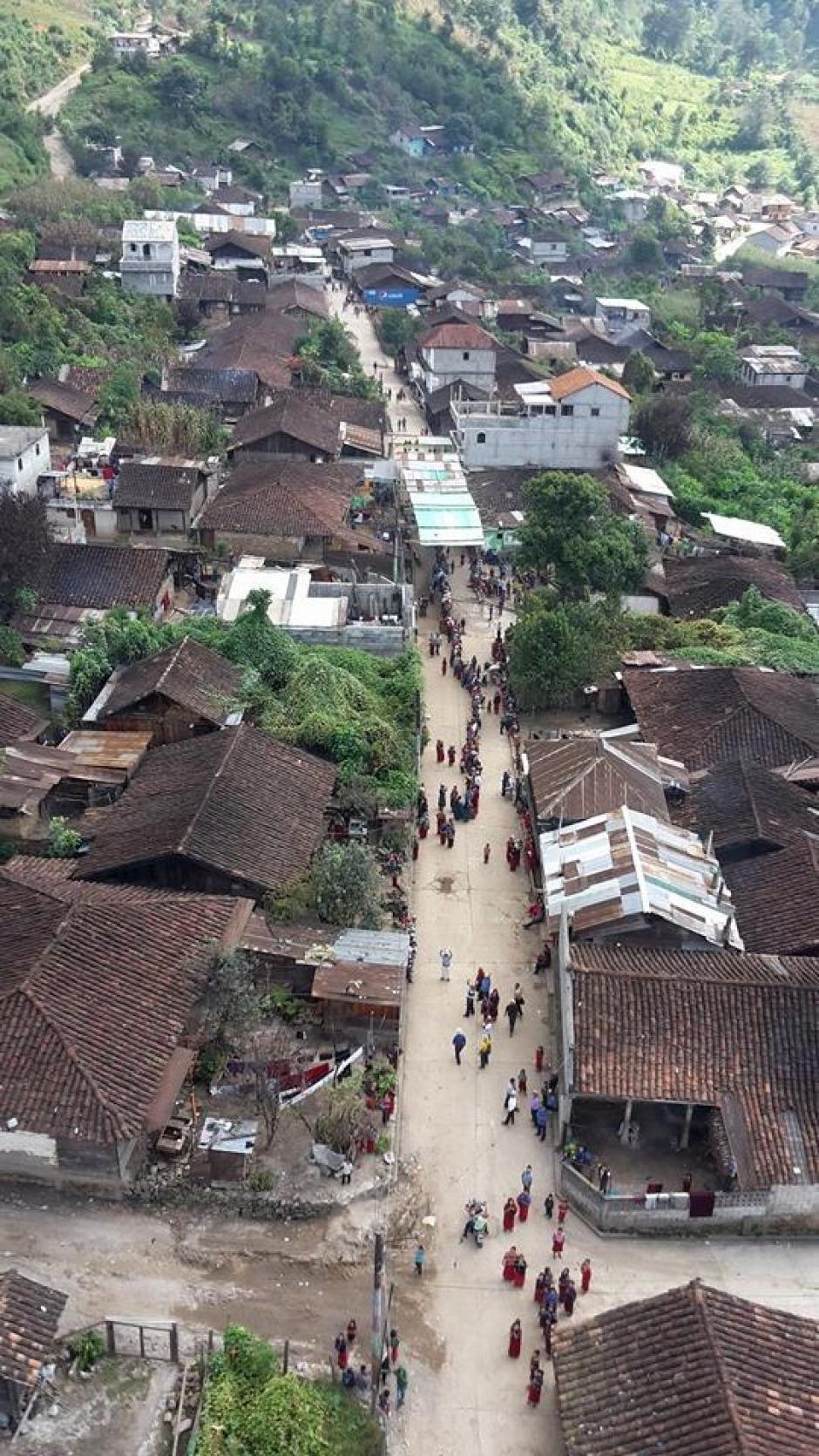 Vista de una de las calles cercanas a un centro electoral en Chajúl, Quiché. (Foto: Nuestro Diario)