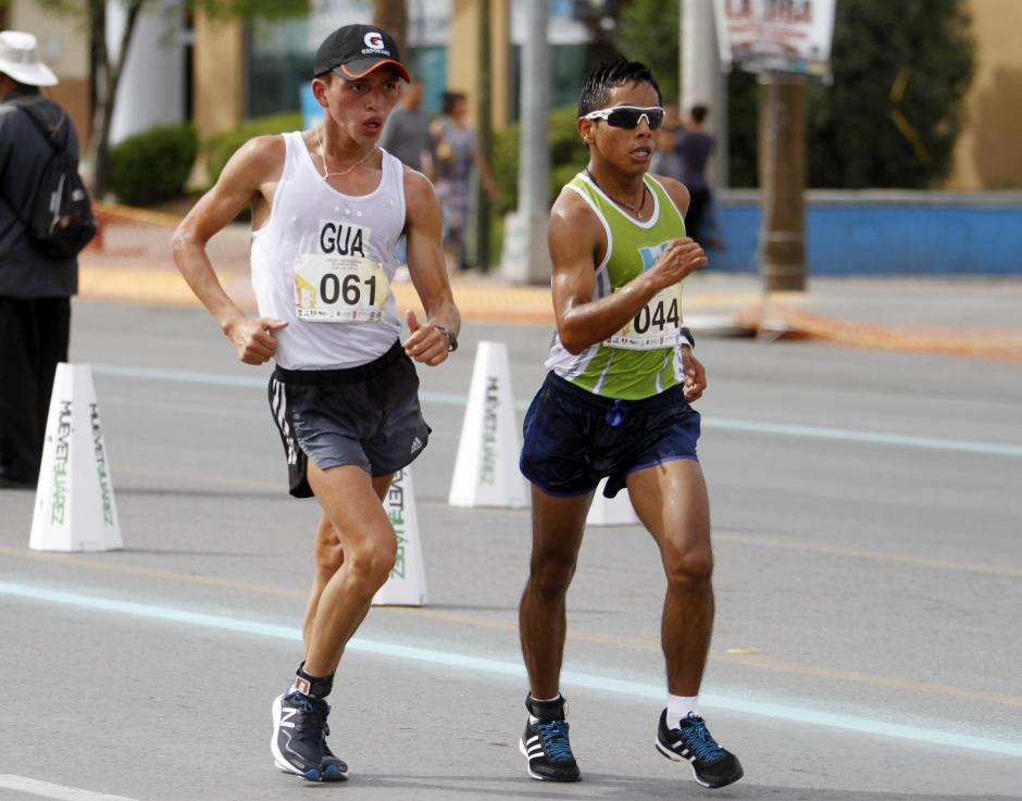 José Barrondo y José Raymundo captados en la prueba de 20 kilómetros marcha masculinos. (Foto: Federación Nacional de Atletismo)