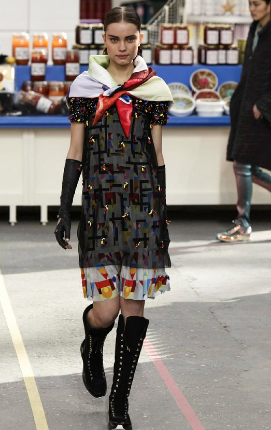 El corte de los vestidos no pierde el clásico toque Chanel. (Foto: NowFashion)