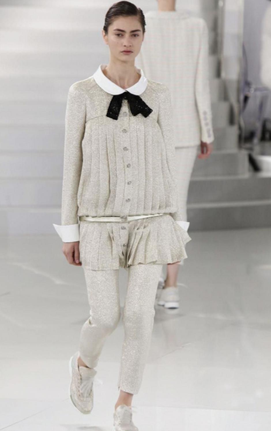 El toque de los años dorados de Coco Chanel también se refleja en esta colección de Karl Lagerfeld. (Foto: NowFashion)